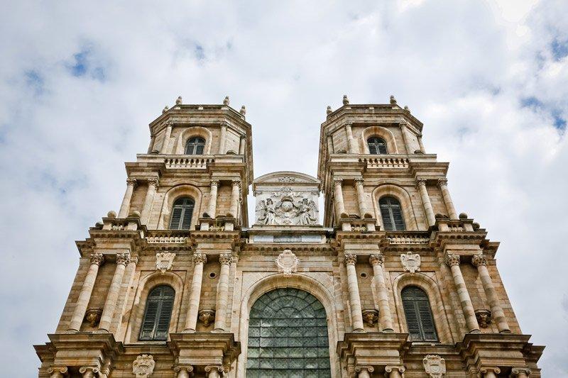 Пам'ять про середньовіччя: кафедральний собор Сен-П'єр